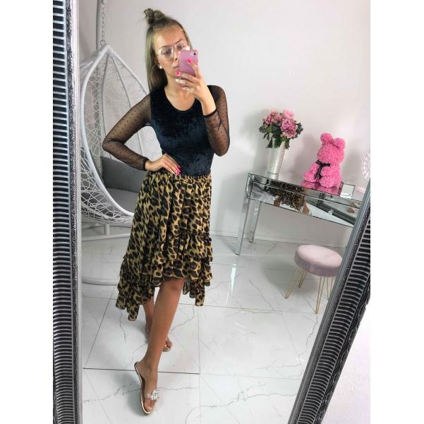 Asymetrická vzorovaná sukně
