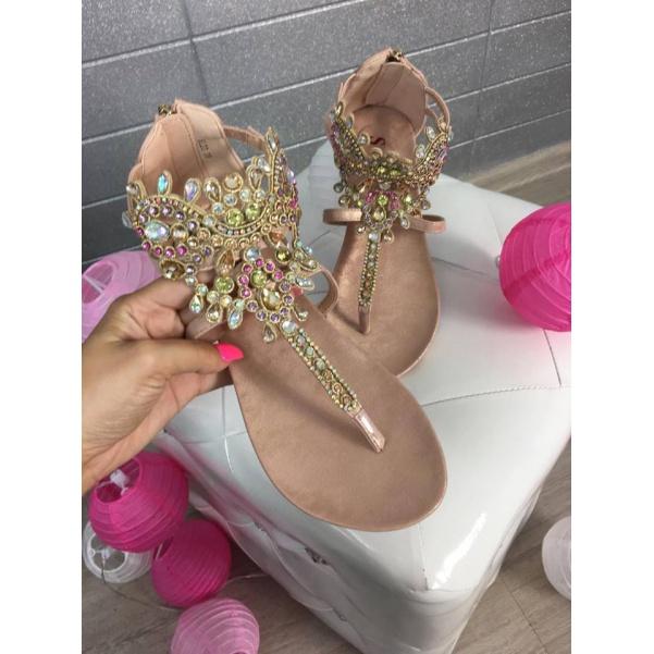 Zlaté sandálky s kamínky
