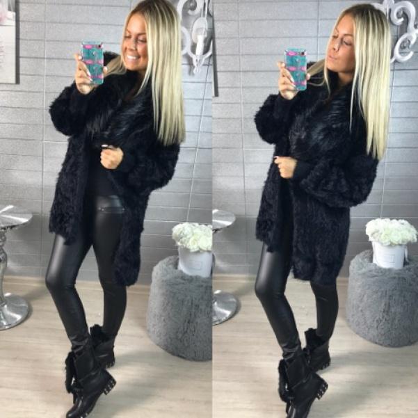 Černý heboučký svetr s kožešinkami
