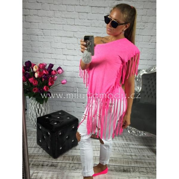 Růžové tričko se střapcemi