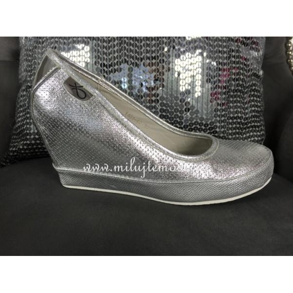 Luxusní stříbrné boty na platformě