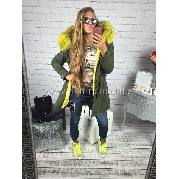Khaki dlouhá bunda s luxusním žlutým kožichem
