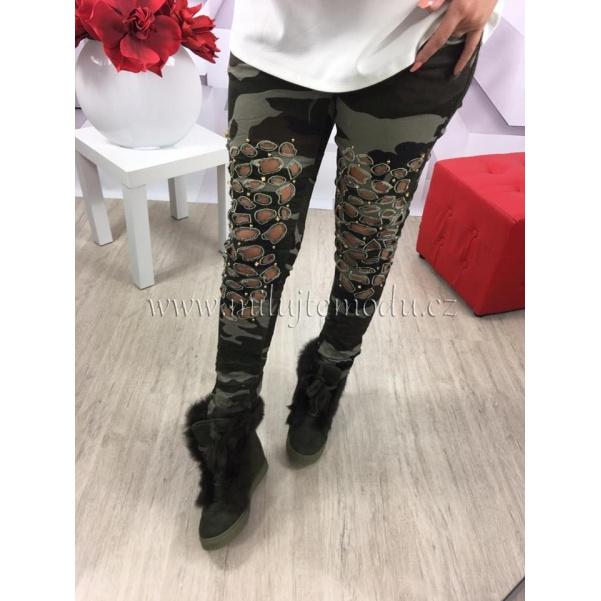 Army džíny s doplňky