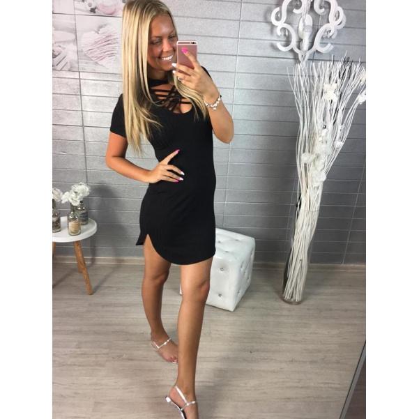 Černé slim šaty