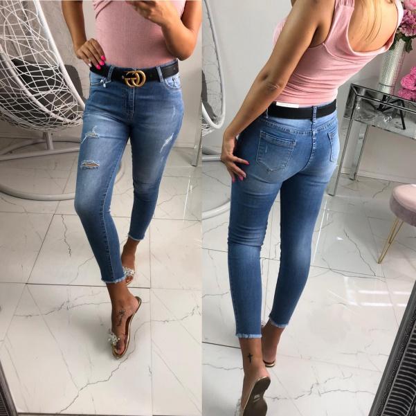 Pohodové džíny s trháním