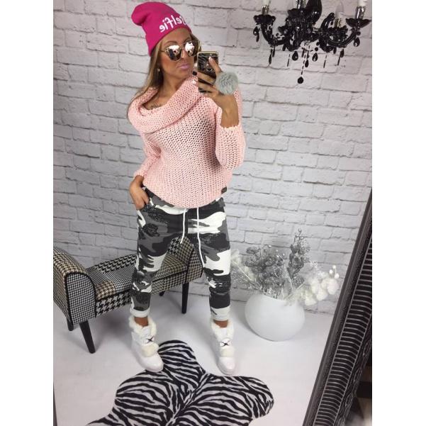 Luxusní růžový svetřík