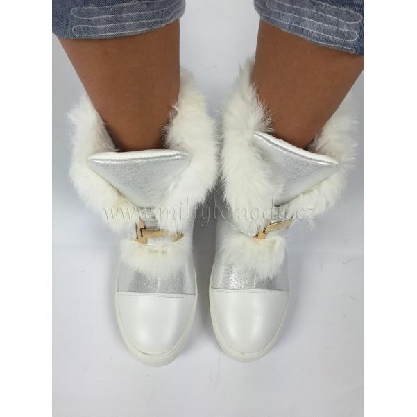Stříbrné zimní botky s kožíškem