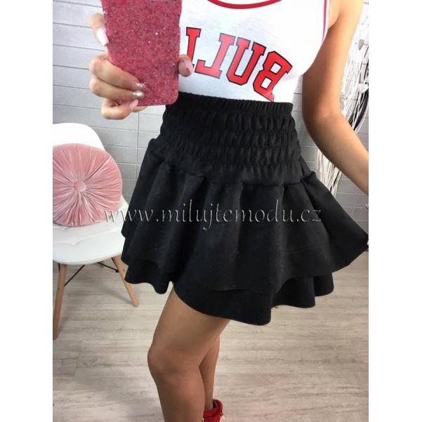 Černá suknička