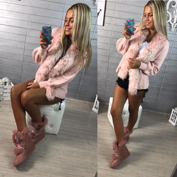 Krásný svetřík s kožešinkou PINK