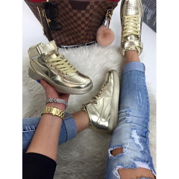 Pohodové zlaté tenisky