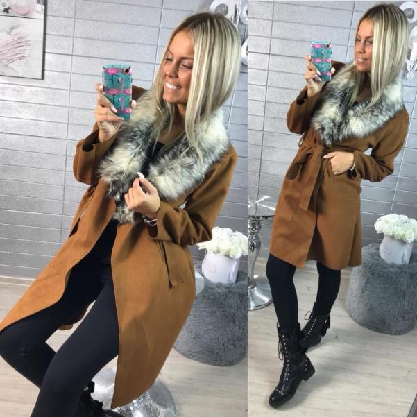 Novinka-Camel kabátek