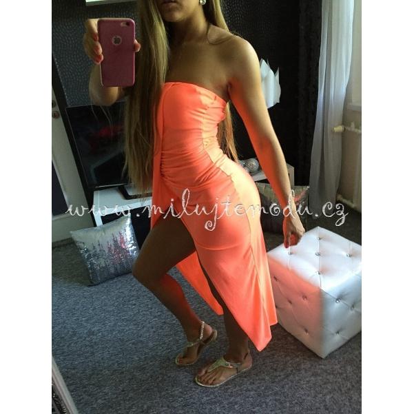 Pohodlné meruňkové šaty