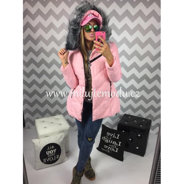 PINK bunda s kožíškem a potiskem na zádech