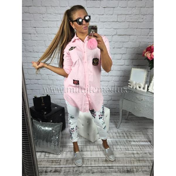 Růžová košile s nášivkami