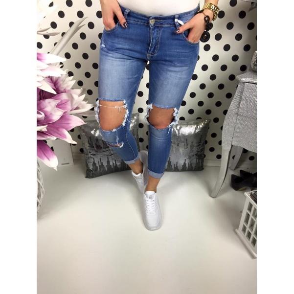 Džíny trhané na kolenou