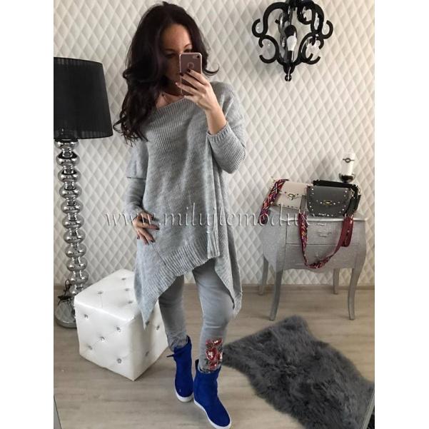 Šedý oversize svetr