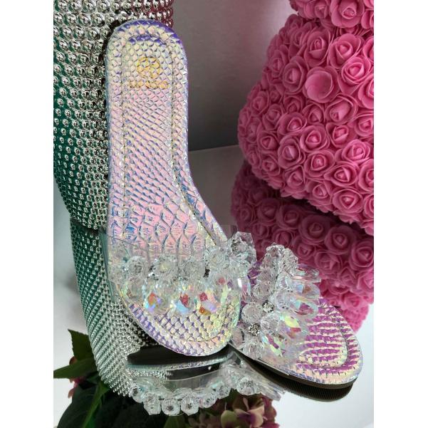 Krásné silver boty s kamínky