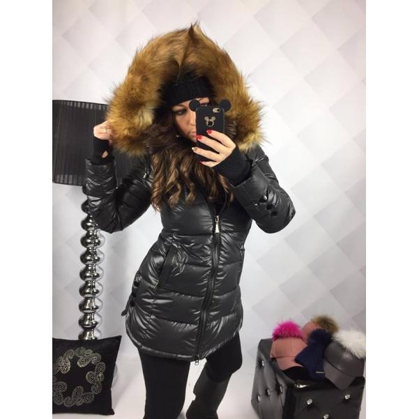 Černá zimní bunda s bohatým kožíškem