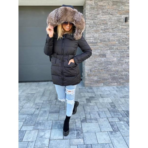 Péřová zimní bunda s páskem a pravým kožichem