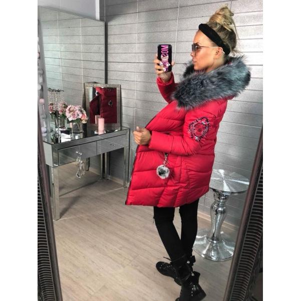 Prodloužená zimní bunda s nášivkami - červená