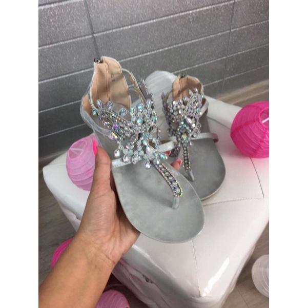 Stříbrné sandálky s kamínky