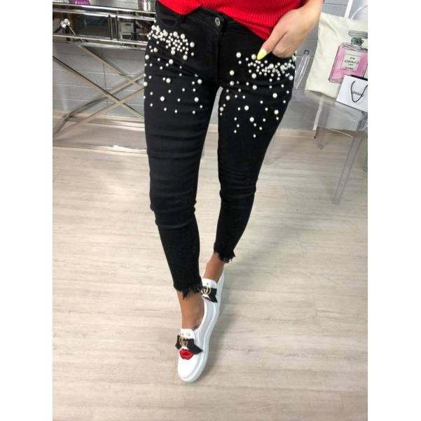 Černé džíny s perličkami