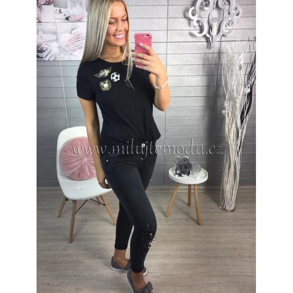Black džíny s nášivkami