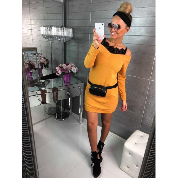 Svetříkové šaty s krajkou - žlutá