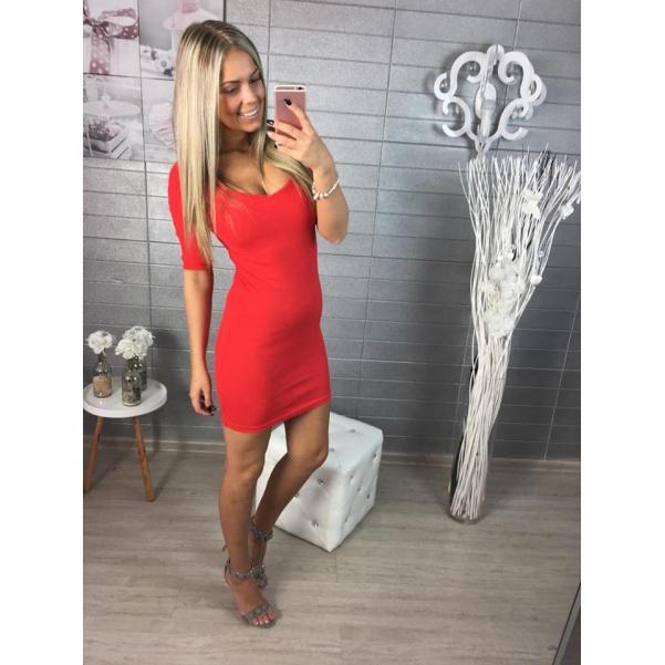 Červené elastické šatičky