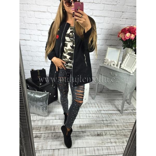 Černá stylová bunda s nášivkami