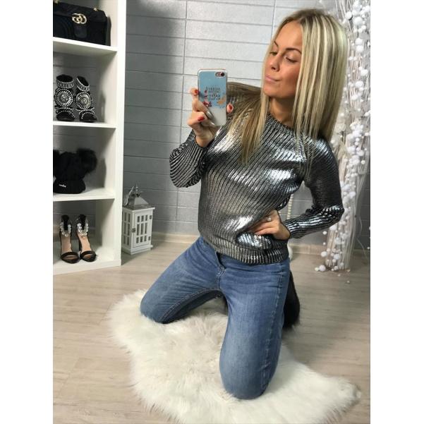 Stříbrný luxusní svetřík