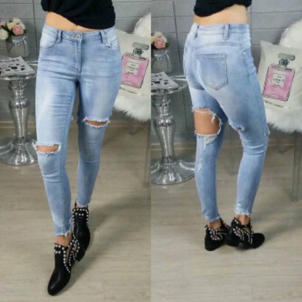 Extra džíny s trháním vzadu