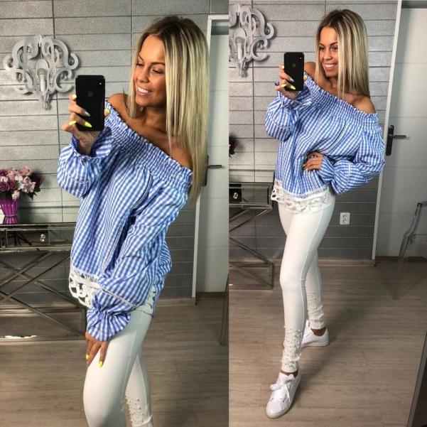 Halenka s krajkou sv. modrá