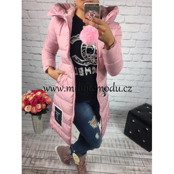 Dlouhá růžová bunda s nápisem