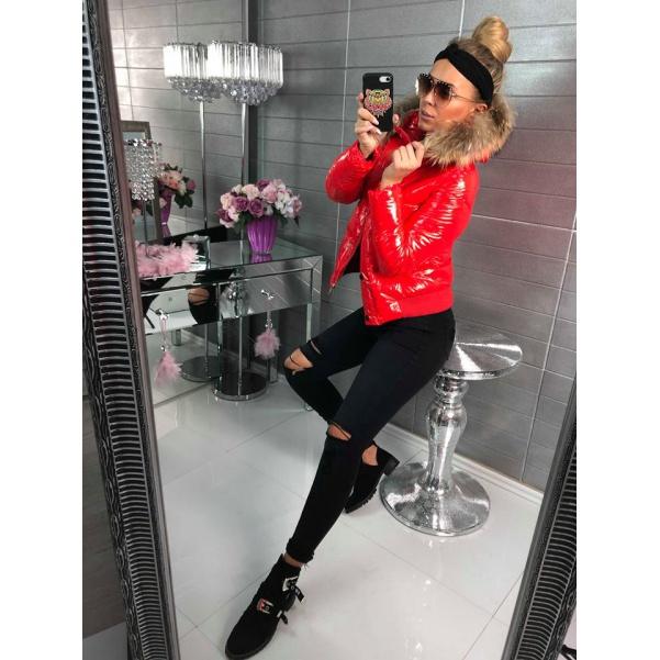 Červená super bundička s bohatým kožíškem ala Moncler
