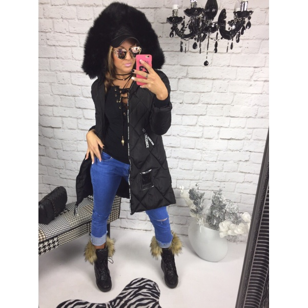 Černá bunda s bohatým kožichem