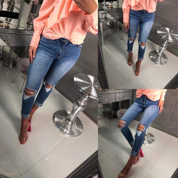 Slim jeans s děrovaním
