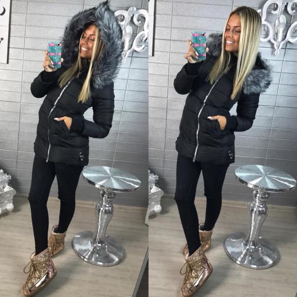 Černá bundička se zipy a bohatým kožíškem