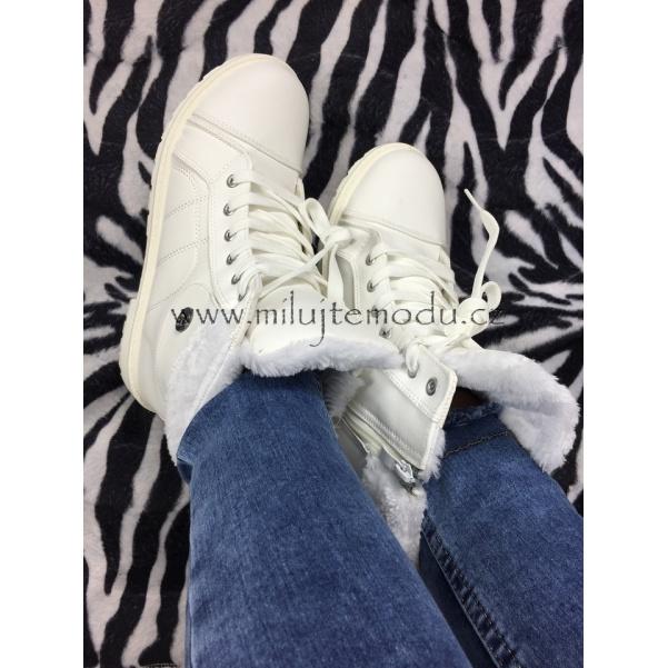 Bíle zateplené botičky