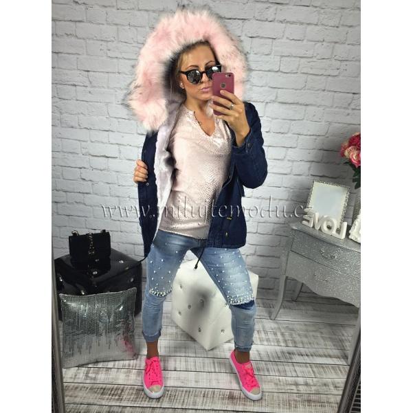 Krátká modrá bunda s růžovým kožíškem