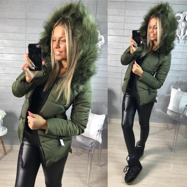 Khaki zimní bundička s bohatým kožíškem