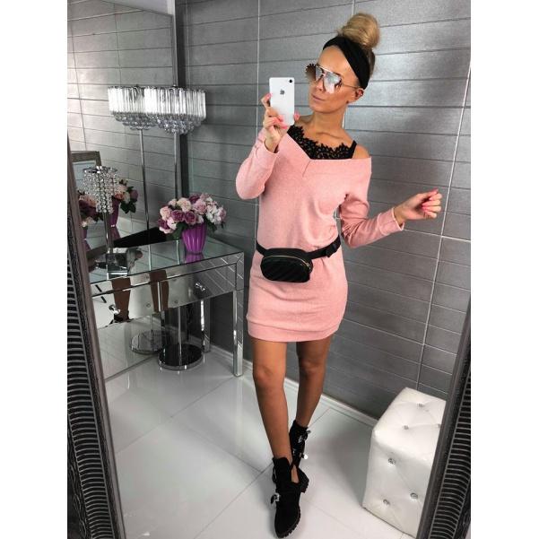 Svetříkové šaty s krajkou - růžová