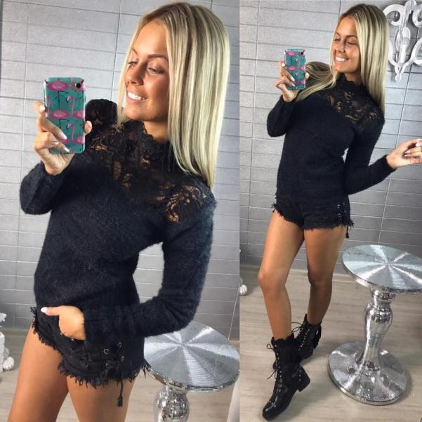 Krásný černý svetřík s krajkou