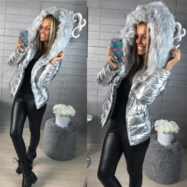 Zimní vypasovaná bundička s mega kožíškem