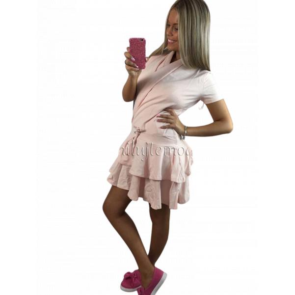 Růžové volánkové šaty