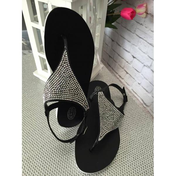 Černé sandálky s kamínkama