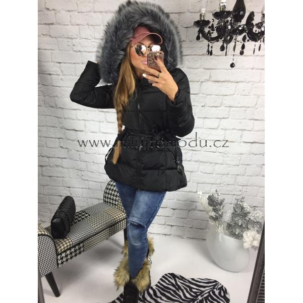 Krásna černá bunda s páskem a kožíškem