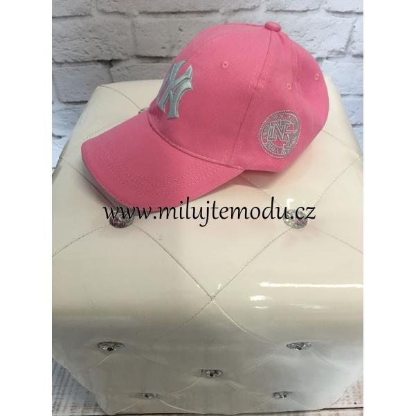 Růžová kšiltovka