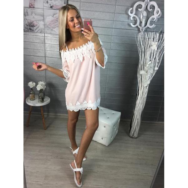 Růžové šatičky s krajkou