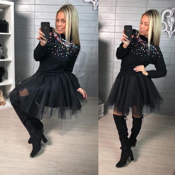 Nádherný svetřík s flitříky - černá
